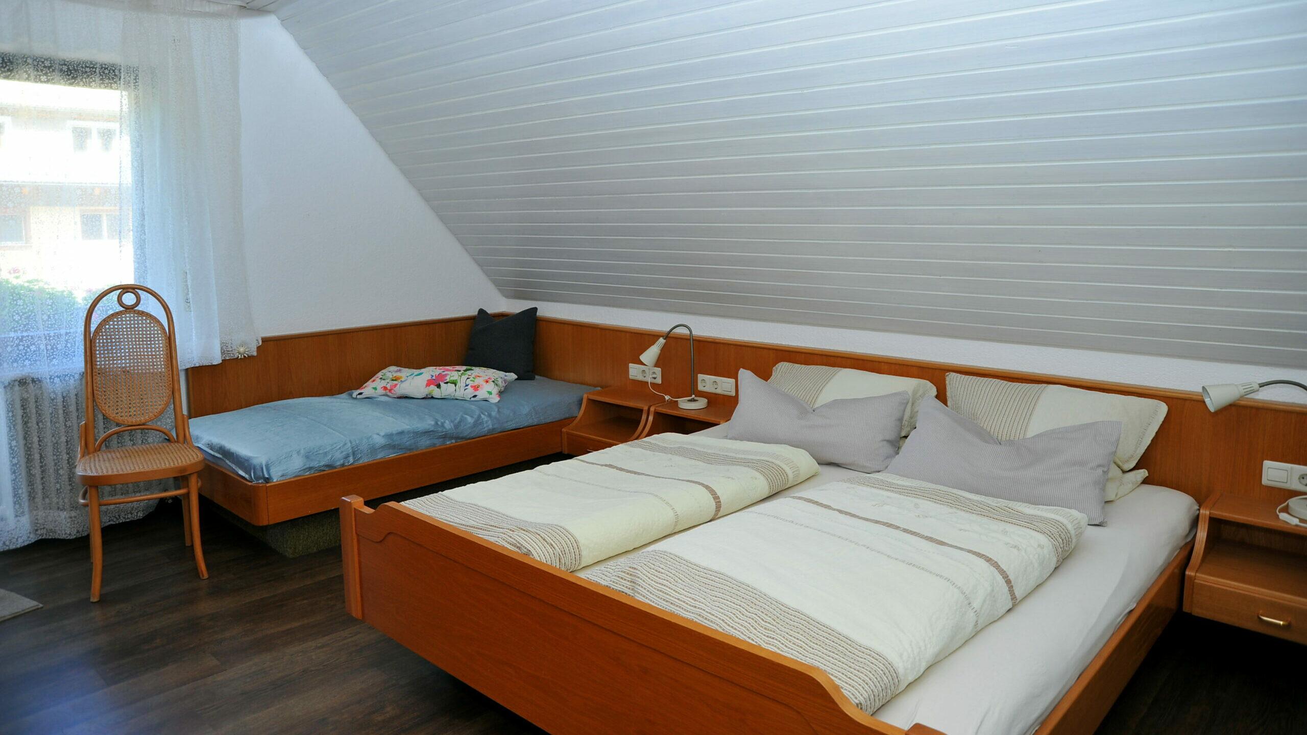 Schlafzimmer mit drei Schlafmöglichkeiten